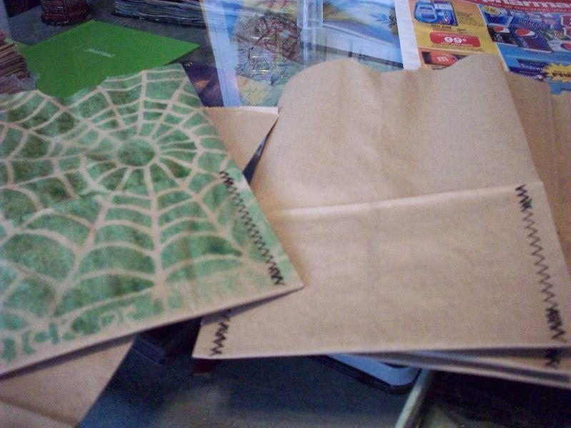 06. Plain Bag vs Printed Bag