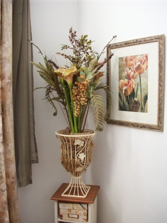 Compressed fall floral arrangement