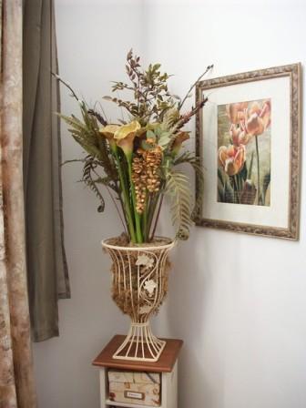 Compressed fall floral arrangement