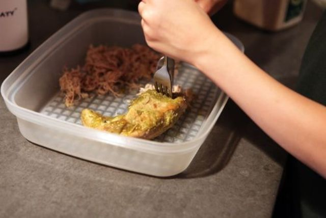 10. Shredding Salsa Verde Pork
