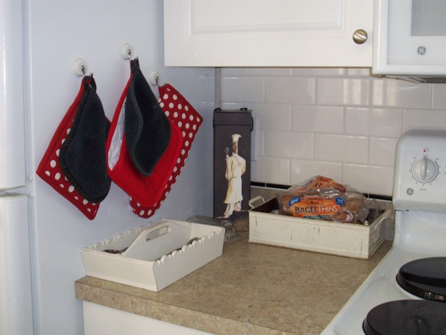 07. Stove Left Tiled Back Splash