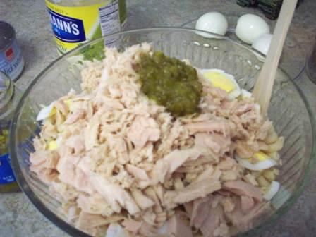 09. Flake Tuna