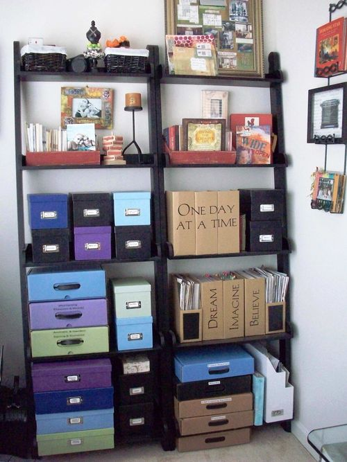 01. Ladder Bookcases Display