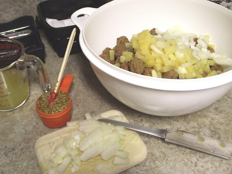 03. Combine onion, pineapple, mustard