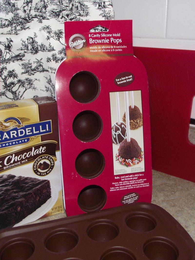 01. Brownie Pop Pans
