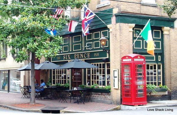 08. Six Pence Pub