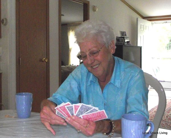 01. Mom playing cards