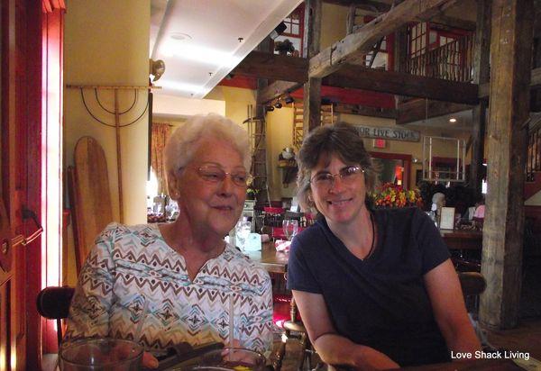 09. Mom & Cheryl